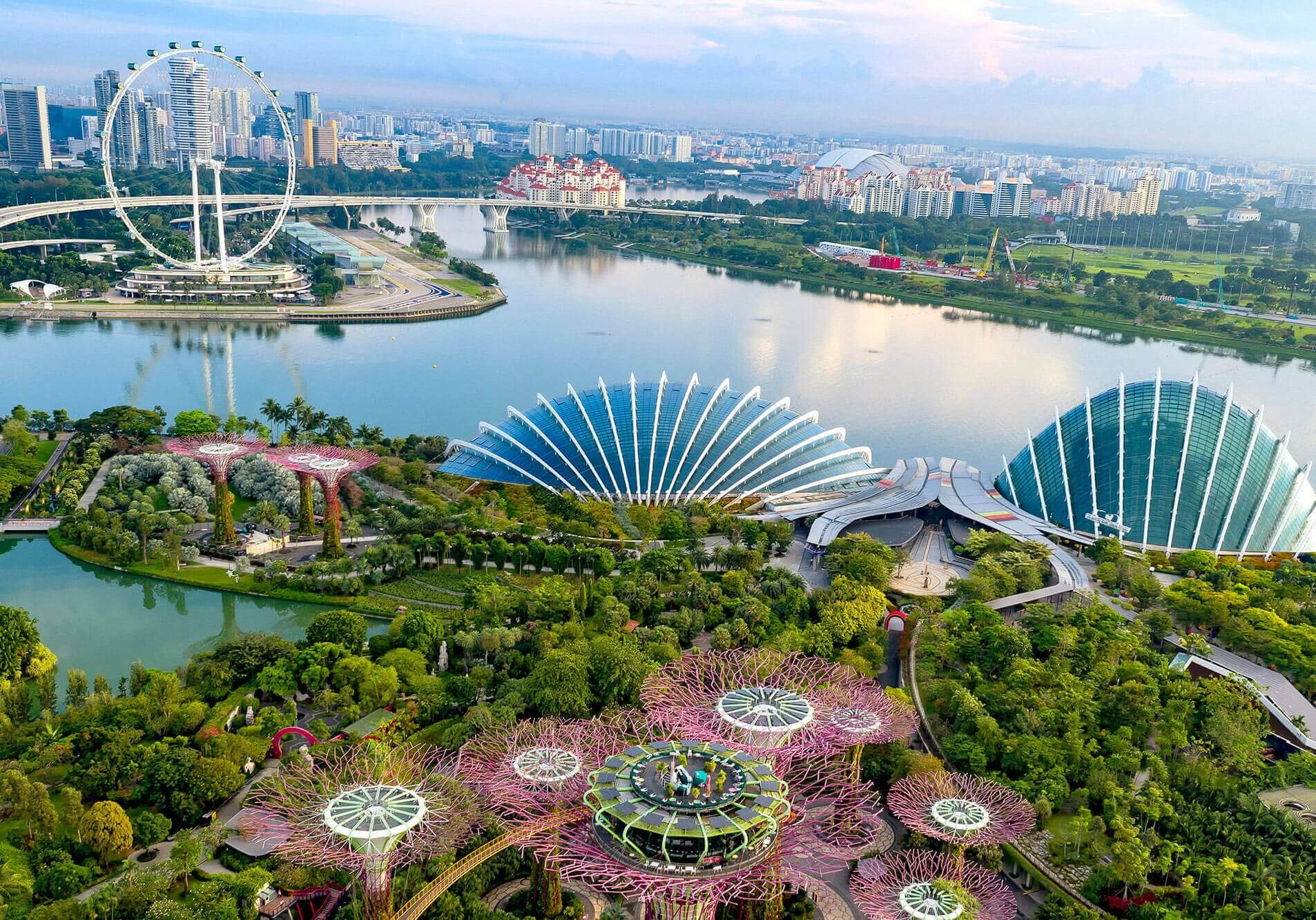 Gardens-by-the-Bay-and-Singapore-Flyer